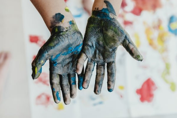 play paint hands