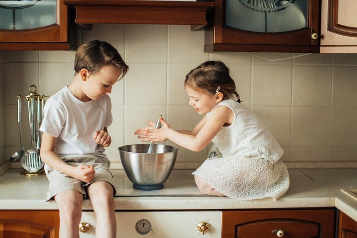 siblings mixing bowl
